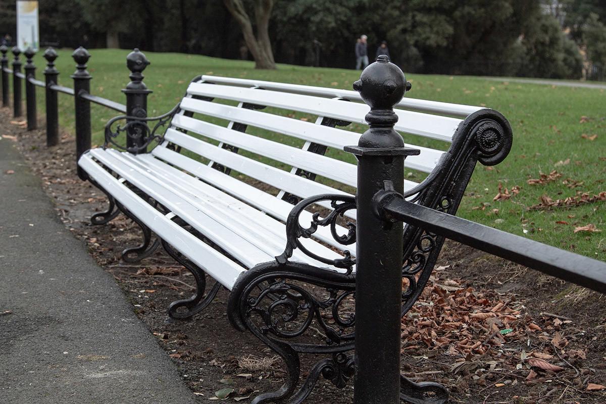 banco de parque, mobiliario urbano