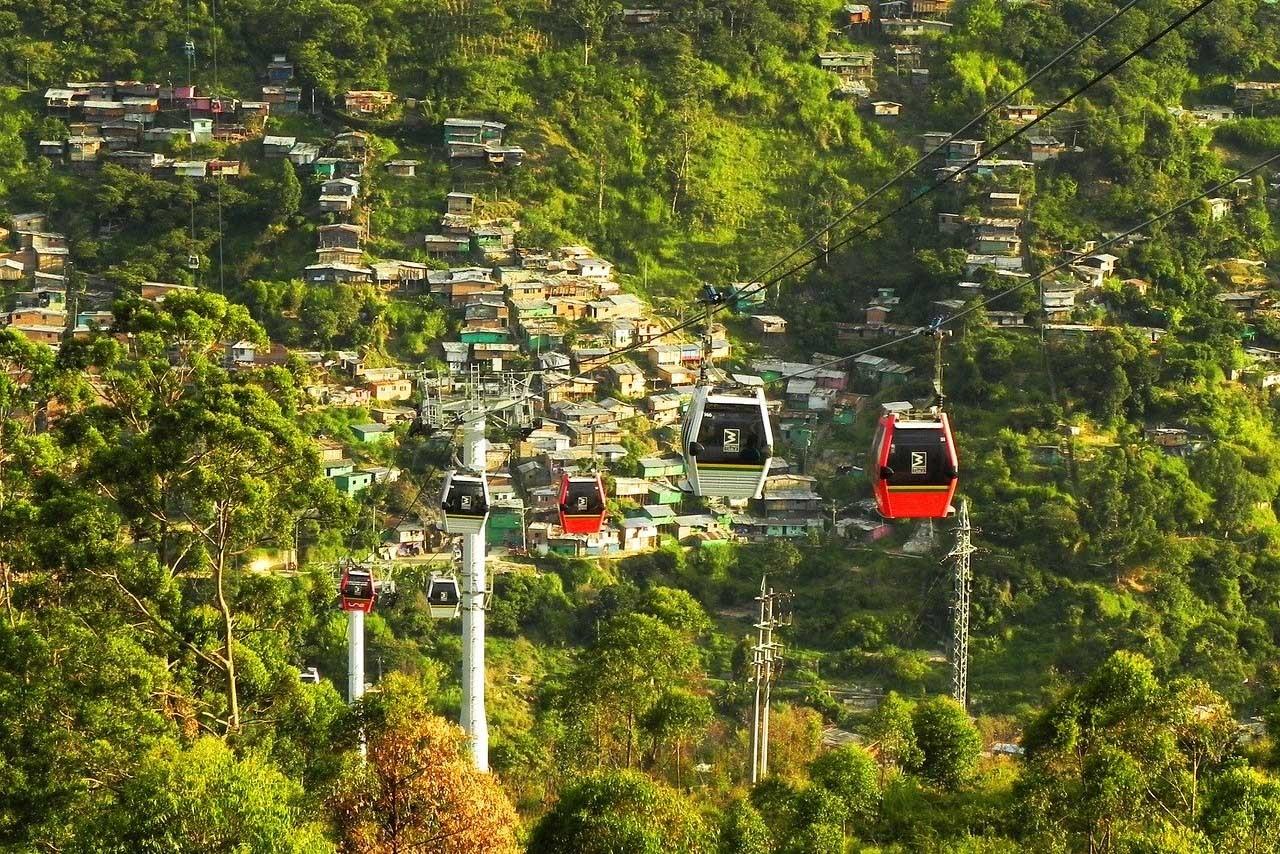 Las líneas de teleféricos han sido fundamentales en la transformación de Medellín.