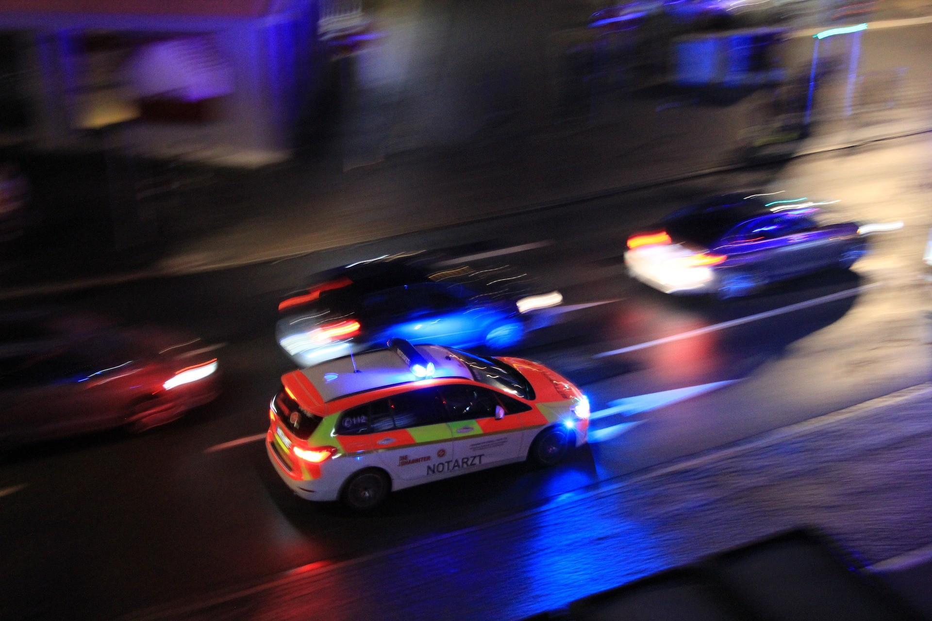 vehículo emergencia tráfico