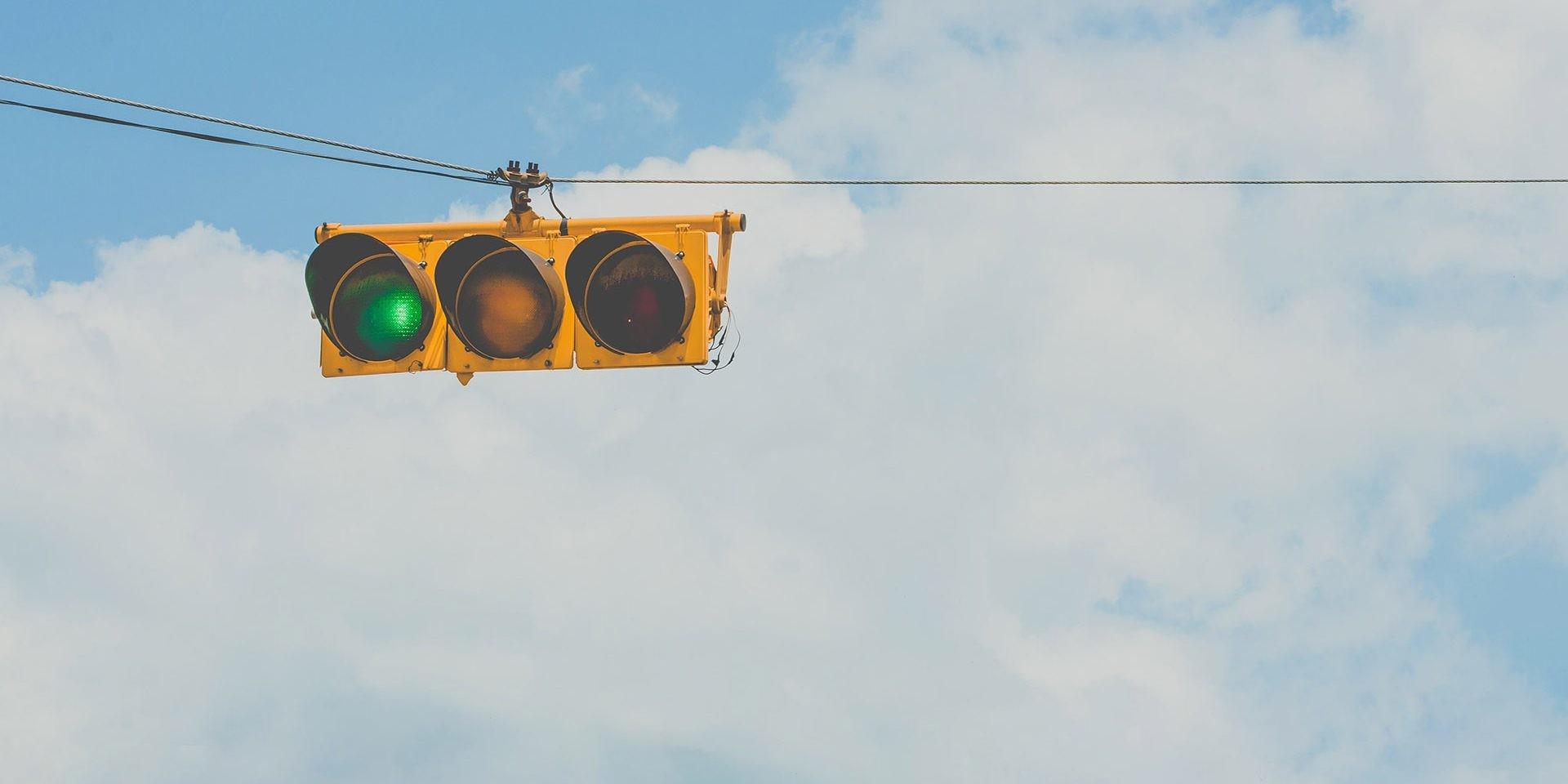 Bombay realizó una prueba piloto con semáforos antiruido.