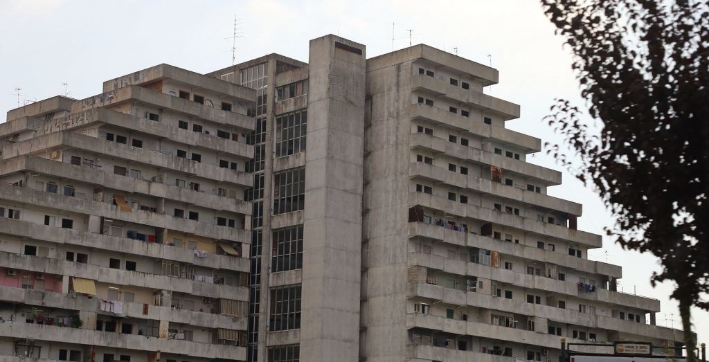 edificio de las velas de scampia con un estilo arquitectonico brutalista