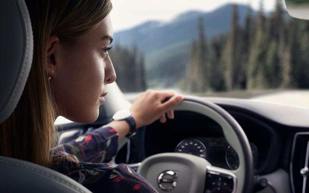 Más allá de elegir color, ¿qué decisiones son clave al configurar un vehículo?