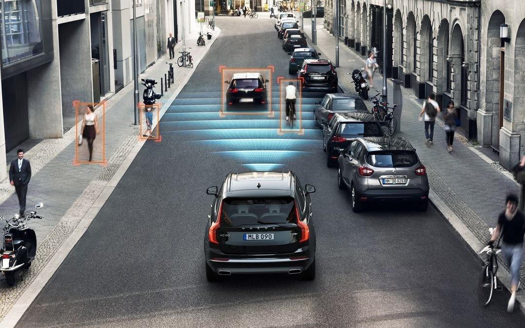 Así es como la conectividad hace tu coche más seguro (y se protege para ser más segura)