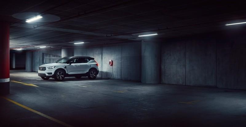 Volvo-xc40-recharge-hibrido