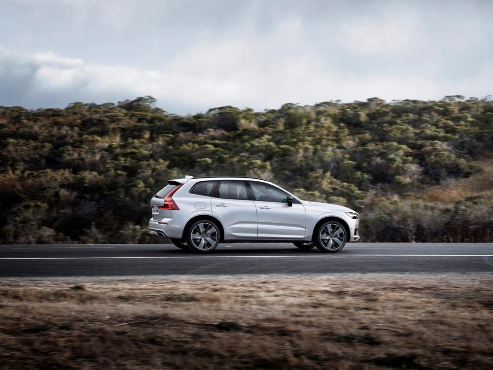 Volvo XC60 en carretera