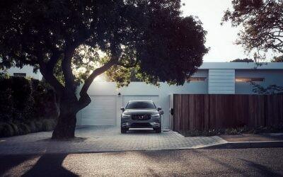 Pon en el garaje el cargador de tu SUV recargable: requisitos y costes de la instalación