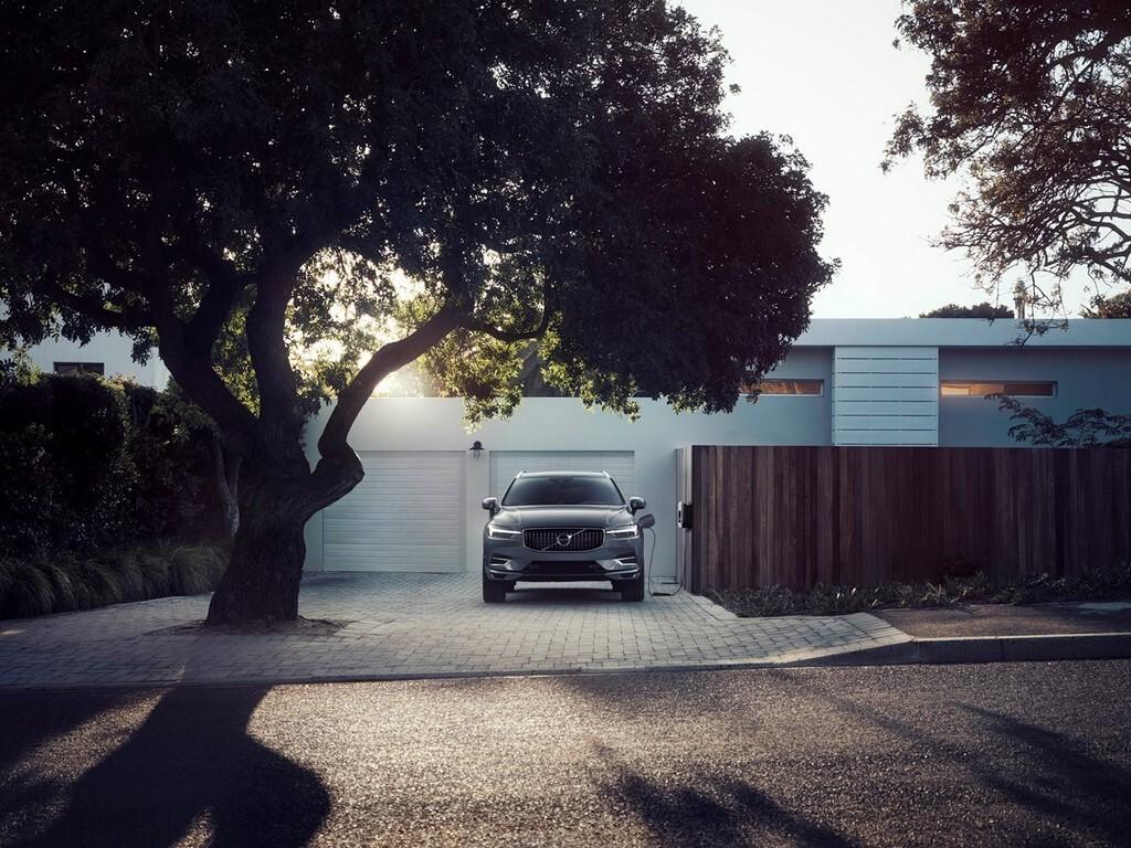 Volvo-xc60-recharge
